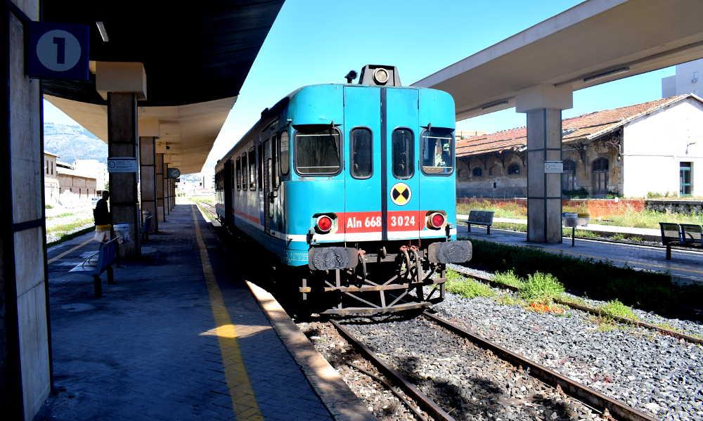 Treno Aln 668 Trapani-Marsala 2019