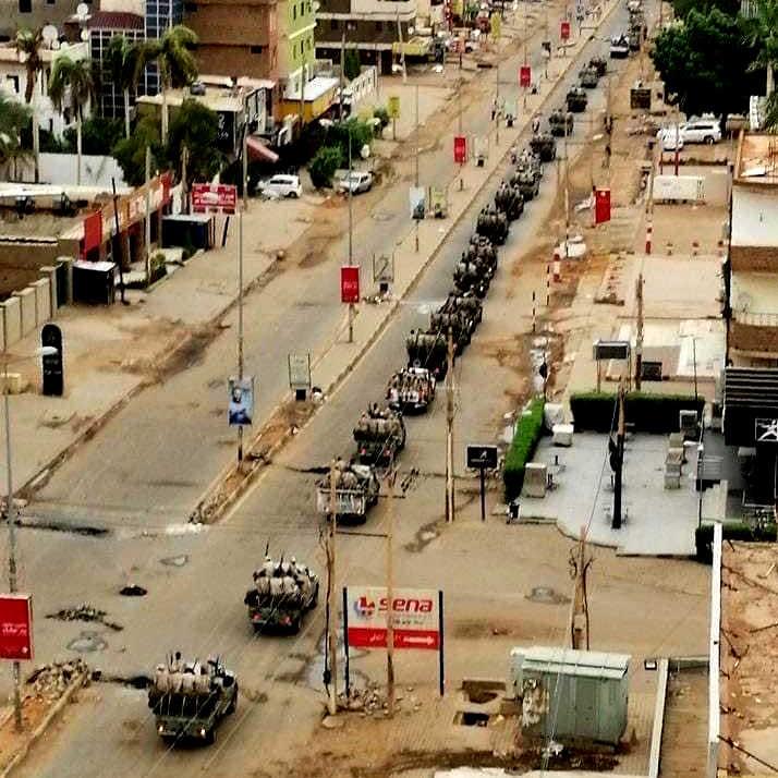 colonne dell'esercito rastrellano Khartum