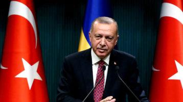 Turchia: Erdogan licenzia tre sindaci curdi; è colpo di stato, per le opposizioni