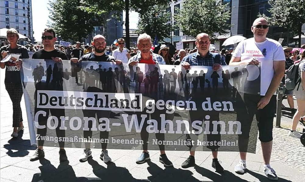 Berlin-Demo-controlafollia