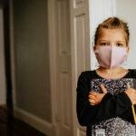 scolara-studente-scuola-mascherina