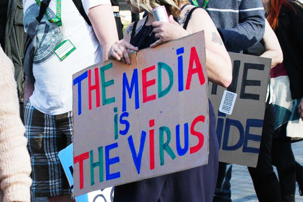 vaccino-virus-massmedia